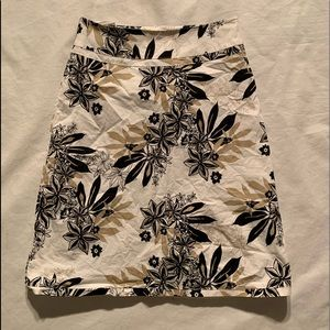"H&M Size 4 Floral Skirt Length 22"" Cotton Blend"